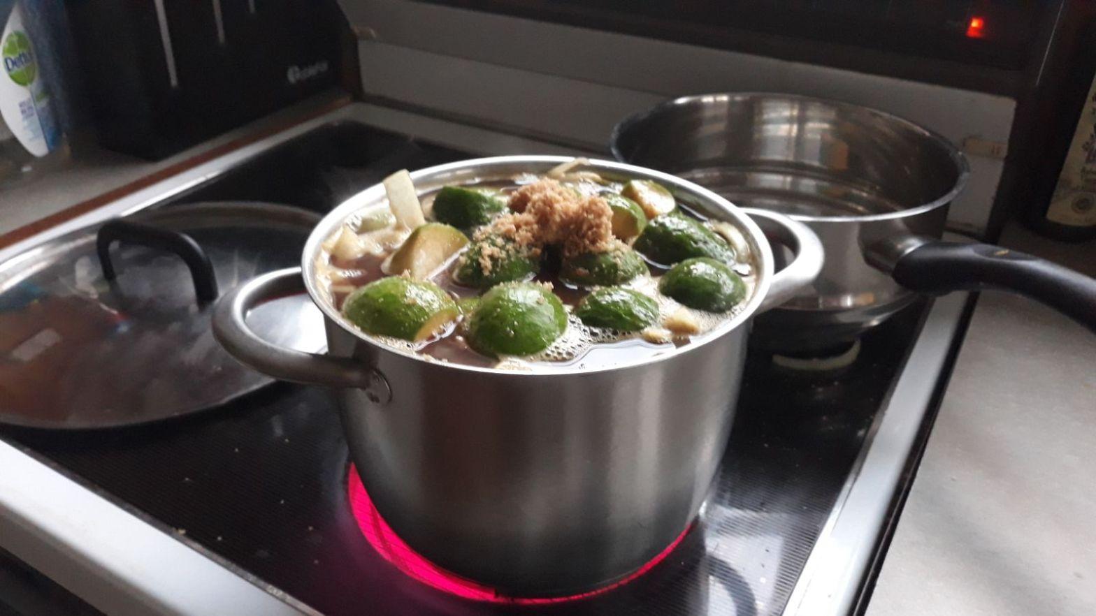 Food: Autumn's bounty and feijoa relish