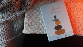 Book Review: The Mindfulness Survival Kit by Thich Nhat Hanh