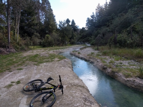 An excellent MTB adventure in Huka Falls, Taupo