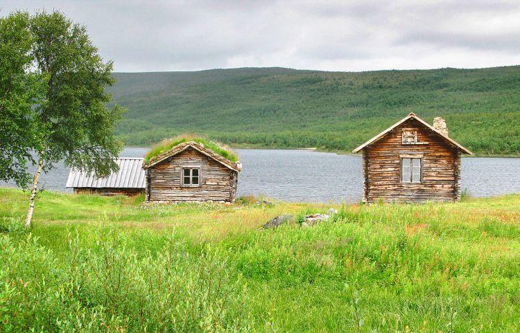 Lapland Over Four Splendid Seasons
