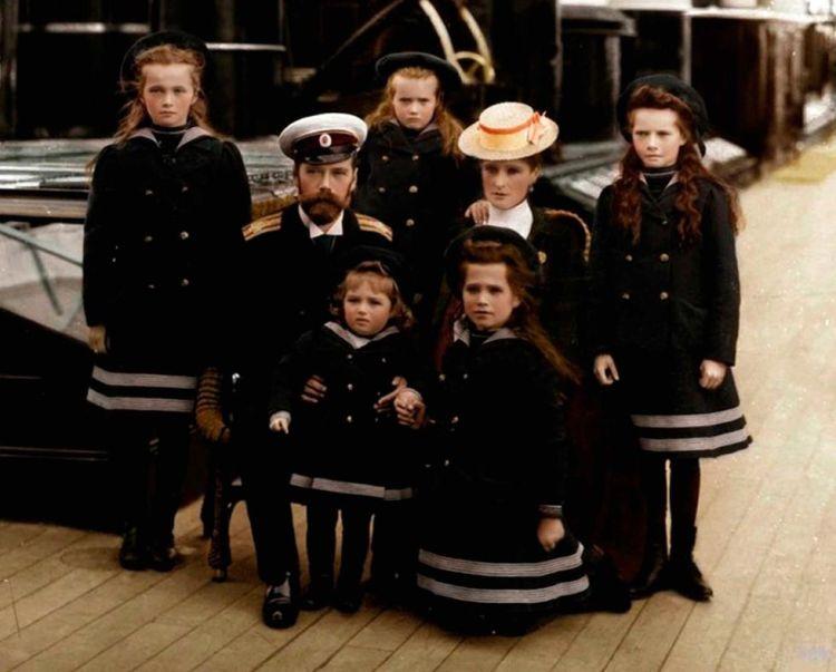 Book Review: The Romanovs by Simon Sebag Montefiore