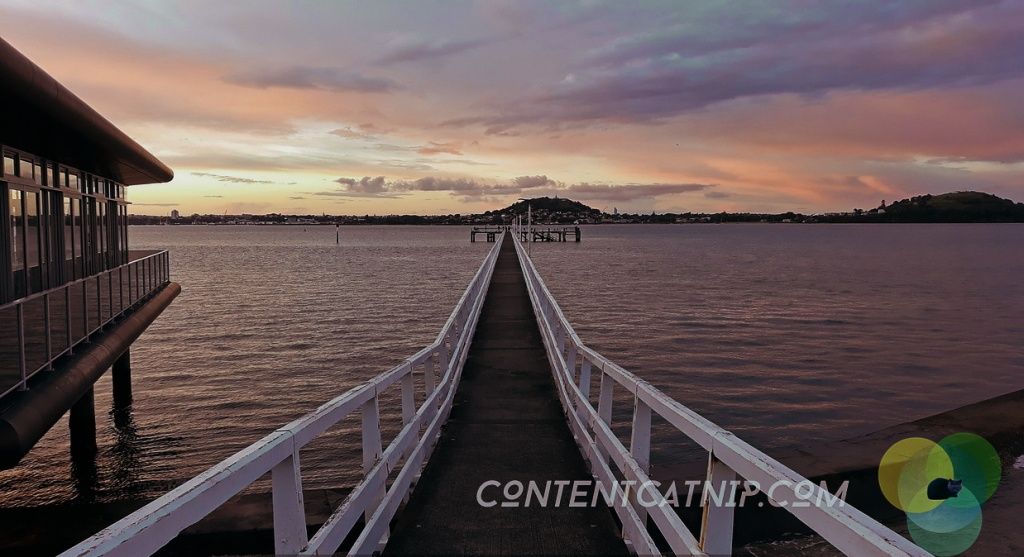 Dusk at Okahu Bay Copyright © Content Catnip 2018 www.contentcatnip.com