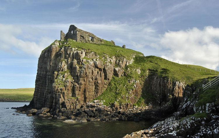 The ruins of Duntulm castle as it is today