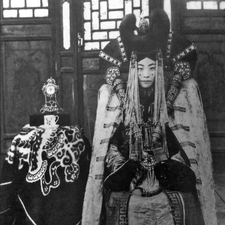 queen-genepil-of-mongolia-the-last-monarch-in-a-dynasty